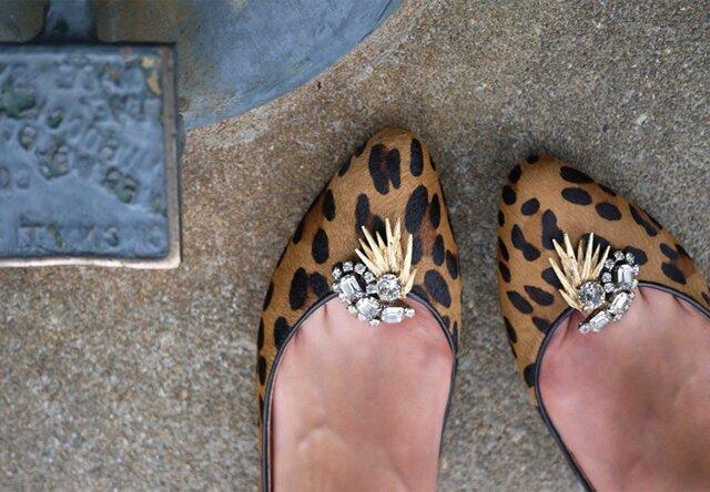 Украшаем туфли клипсами